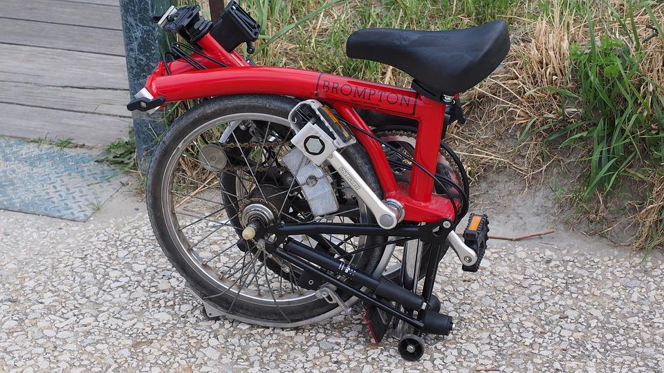 Vélo en position pliée