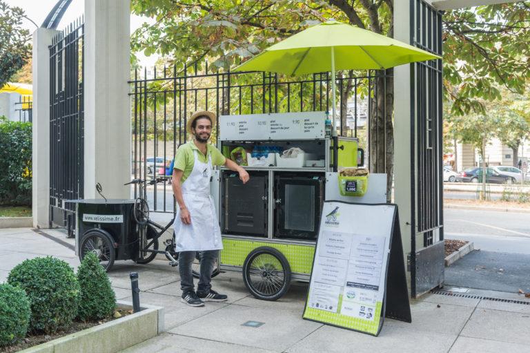 Cantine mobile en vélo cargo électrique