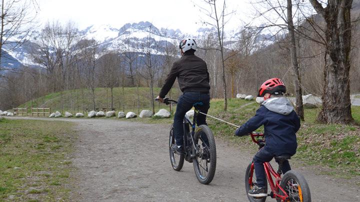 Tire vélo traction enfant